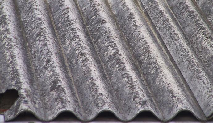 Asbest, Giftstoff der fachgerecht entsorgt werden muß
