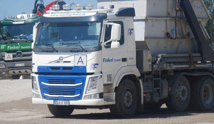 Finkel GmbH LKW mit Container
