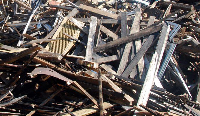 Altholz wird von der Finkel GmbH entsorgt